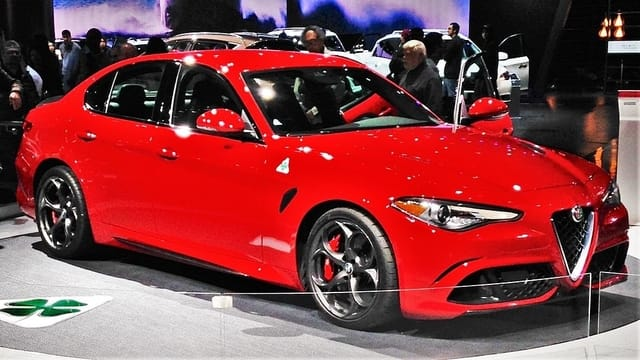 Alfa Romeo Giulia QV - Best Family Cars