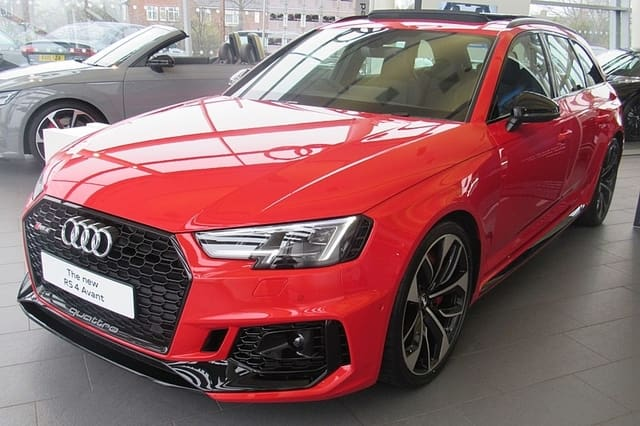 Audi RS 4 Avant - Best Family Cars